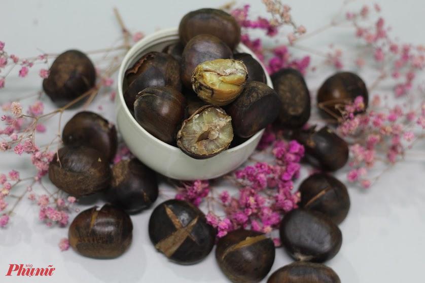 Hạt dẻ khi ăn có vị tương tự hạt mít nhưng thơm, chắc và đậm đà hơn.