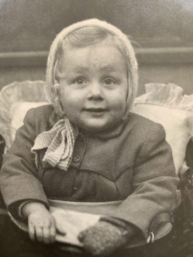 Cô bé Marguerite Huggett bị bỏ rơi ở ga xe lửa lúc mới 6 tuần tuổi - Ảnh: ITV