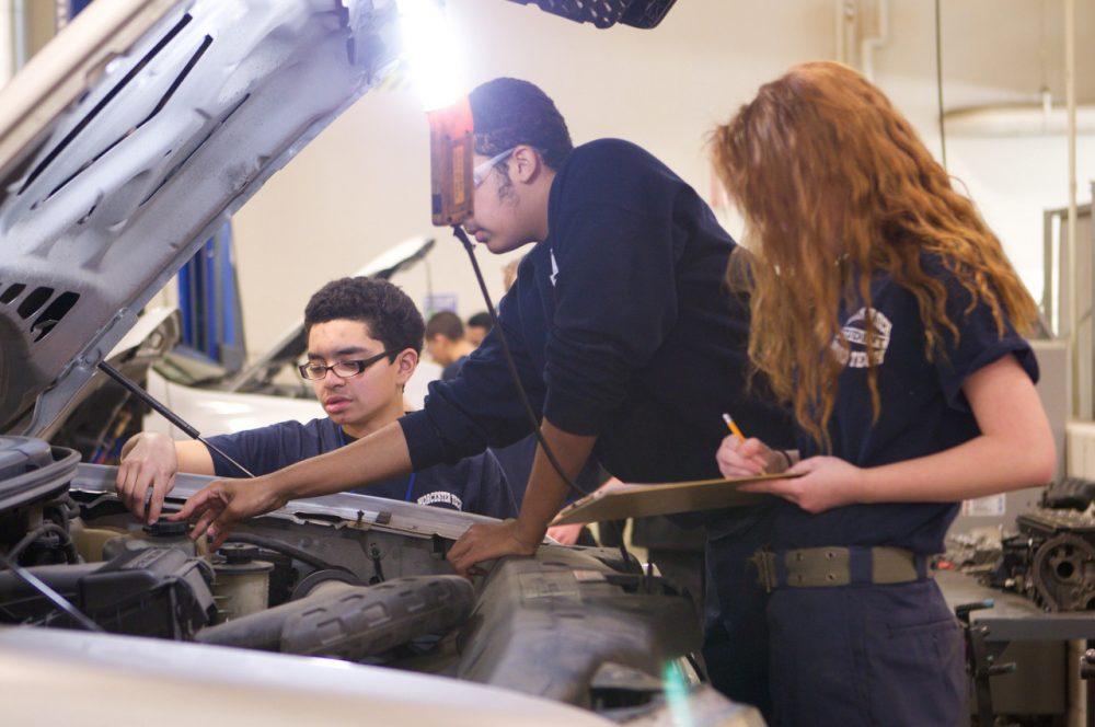 Từ lâu nay, hệ thống các trường đào tạo nghề ở Mỹ không được đánh giá cao - Ảnh: US Department of Education/Flickr