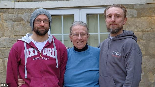 Giờ đây ở tuổi 74, bà Marguerite thật sự hạnh phúc bên cạnh 2 đứa con trai của mình cùng những bí ấn thời thơ ấu đã được giải mã - Ảnh: ITV