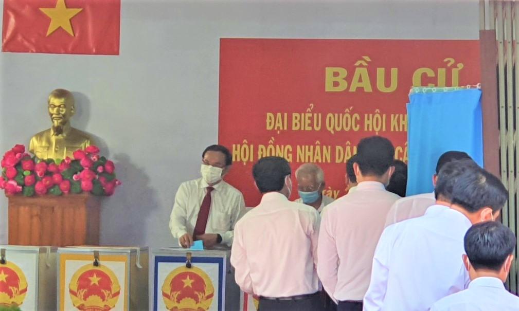Bí thư Thành ủy TPHCM Nguyễn Văn Nên bỏ phiếu bầu cử