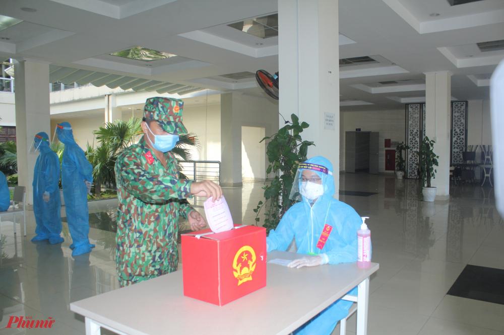 Tổng cử tri tại 3 khu cách ly tập trung T3, T4, T5 (cả khung quản lý) là 787 cử tri