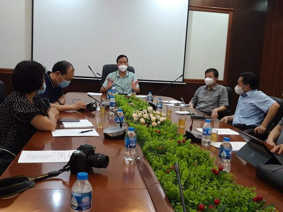 Bắc Giang họp ngay trong đêm để lên phương án cụ thể về việc triển khai test nhanh tại 3 điểm nóng nhất về dịch tại huyện Việt Yên.