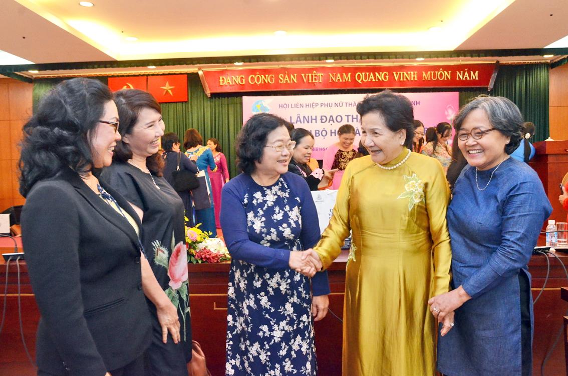 Nguyên Phó Chủ tịch nước Trương Mỹ Hoa trong một hội nghị đối thoại giữa lãnh đạo TP.HCM và Hội LHPN TP.HCM năm 2016 - Ảnh: P.Huy