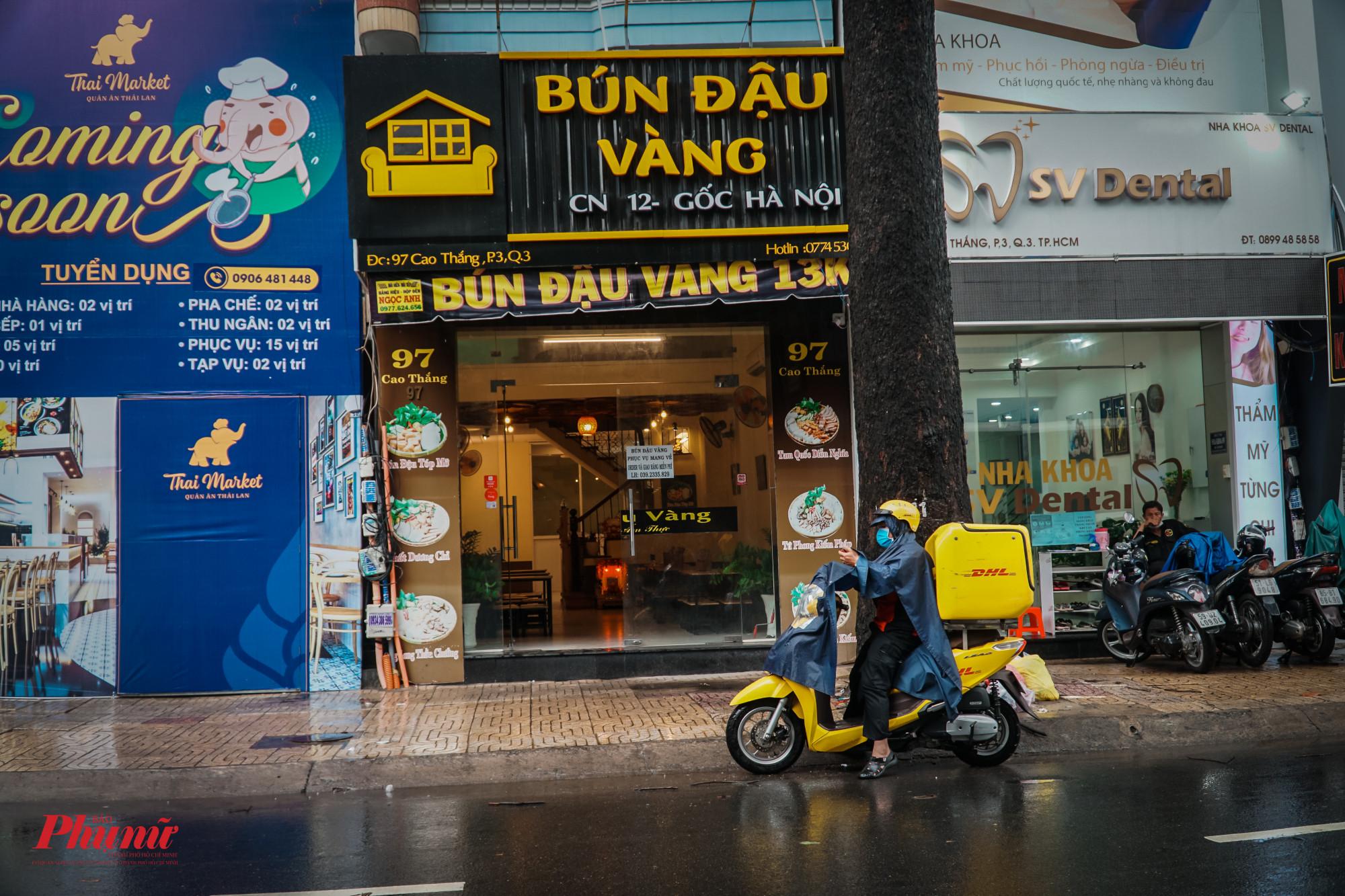 Một quán ăn trên đường Cao Thắng (Quận 3)