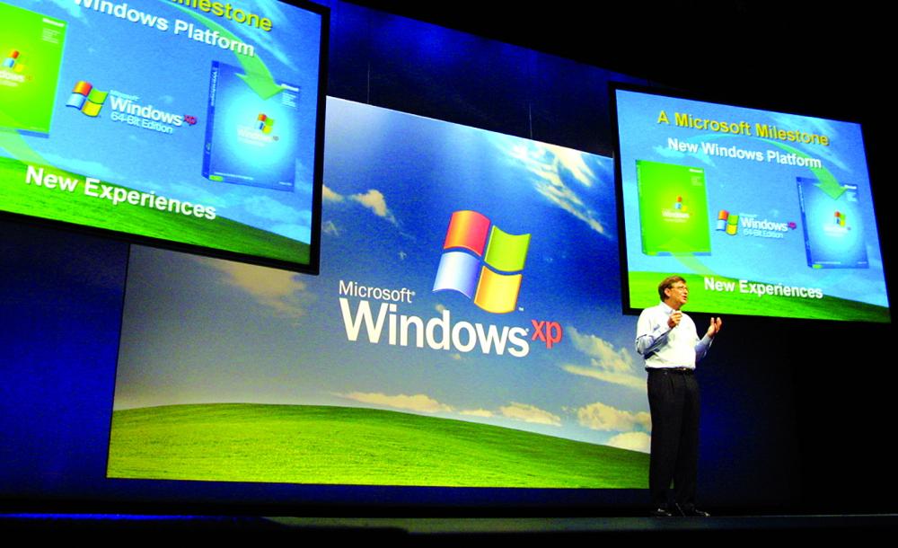 Bill Gates trong một buổi giới thiệu Windows XP vào năm 2001  Ảnh: GETTY IMAGE