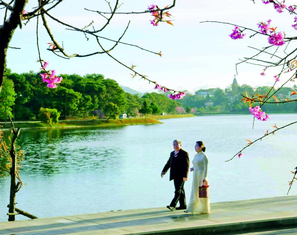 Tuổi già rực rỡ của vợ chồng ông Nguyễn Văn Quang  - bà Nguyễn Ngọc Sương hẳn sẽ truyền cảm hứng thật nhiều cho con cháu và cho cả những ai tình cờ biết đến ông bà - Ảnh: Nhân vật cung cấp