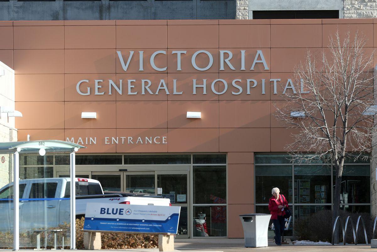 Bệnh viện Đa khoa Victoria thuộc tỉnh bang Manibota đang trong tình trạng quá tải bệnh nhân mắc COVID-19- Ảnh: Shannon VanRaes/Reuters