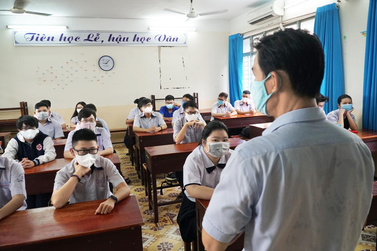 Thí sinh tại TP.HCM dự thi tuyển sinh vào lớp Mười năm 2020 - Ảnh: Tam Nguyên