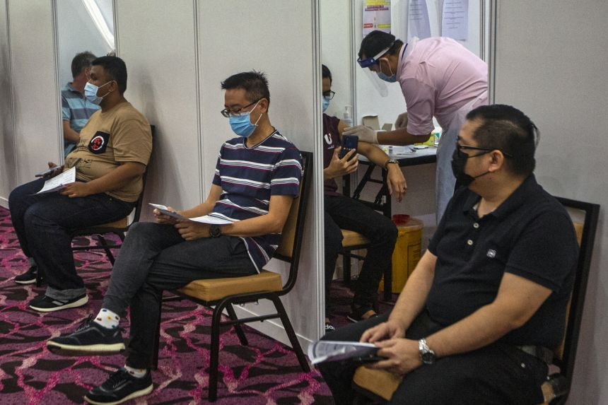 Hiện chưa đến 3% dân số Malaysia được tiêm chủng đầy đủ