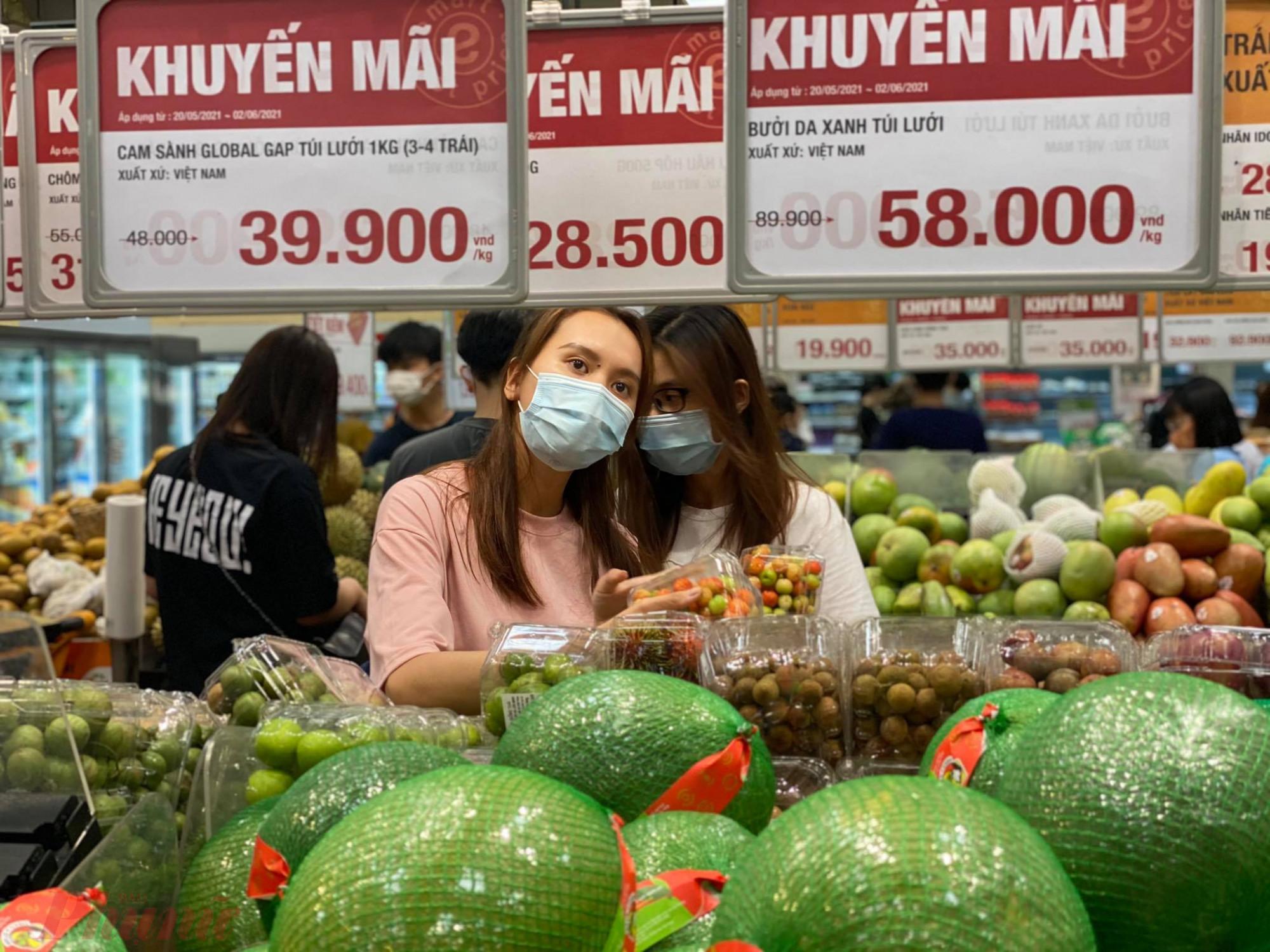 Để tiết kiệm chi tiêu, nhiều người sẽ chuộng các loại thực phẩm giảm giá