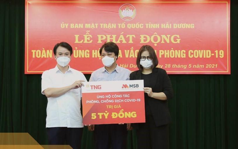 Tập đoàn TNG Holdings Vietnam và Ngân hàng MSB đã trao số tiền ủng hộ 5 tỷ đồng cho UB MTTQ tỉnh Hải Dương.
