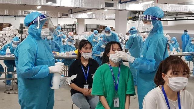 Bắc Giang cho biết đang thiếu thốn trang thiết bị y tế và bác sĩ hồi sức trong điều kiện số ca mắc dự kiến tiếp tục tăng trong vài ngày tới