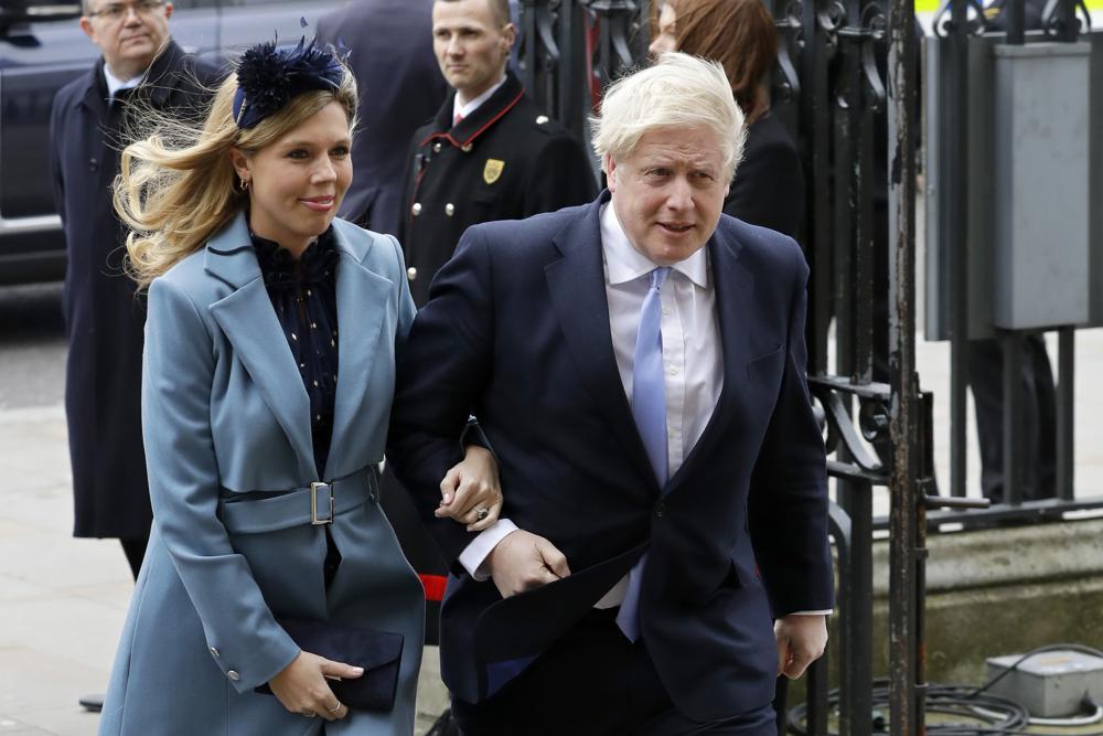 Thủ tướng Anh Boris Johnson và đối tác của ông Carrie Symonds đến để tham dự lễ kỷ niệm Ngày thịnh vượng chung hàng năm tại Tu viện Westminster ở London.