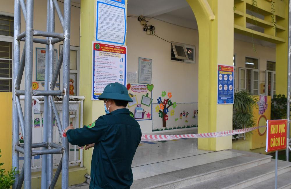 Trưa nay (30/5), Trường mầm non Lê Lợi (Bắc Giang) đã gỡ bỏ phong tỏa sau thời gian cách ly tập trung cho 24 bé thuộc diện F1
