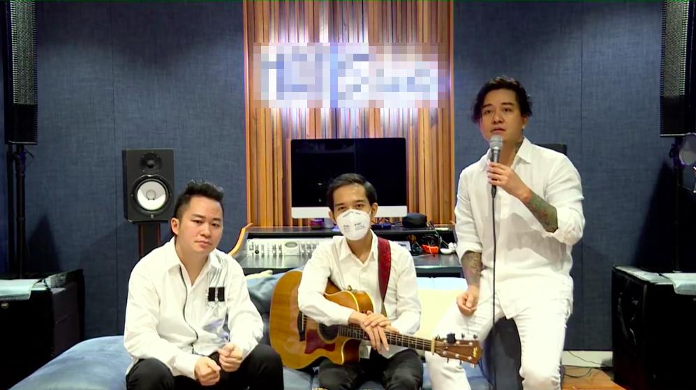 Tuấn Hưng, Tùng Dương và guitar Duy Phong trong đêm nhạc