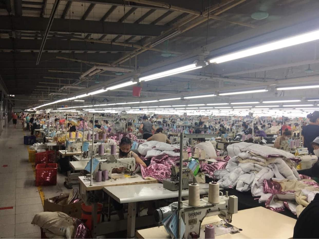 Thứ trưởng Đỗ Xuân Tuyên cho biết nguy cơ bùng phát dịch trong khu công nghiệp là rất cao do đã xuất hiện ca bệnh trong doanh nghiệp