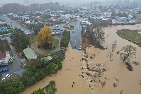New Zealand sơ tán dân khẩn cấp vì mưa lũ.