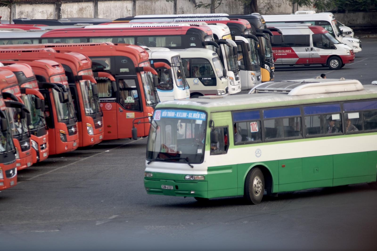 Nhiều tỉnh dừng hoạt động vận tải khách đến TPHCM.