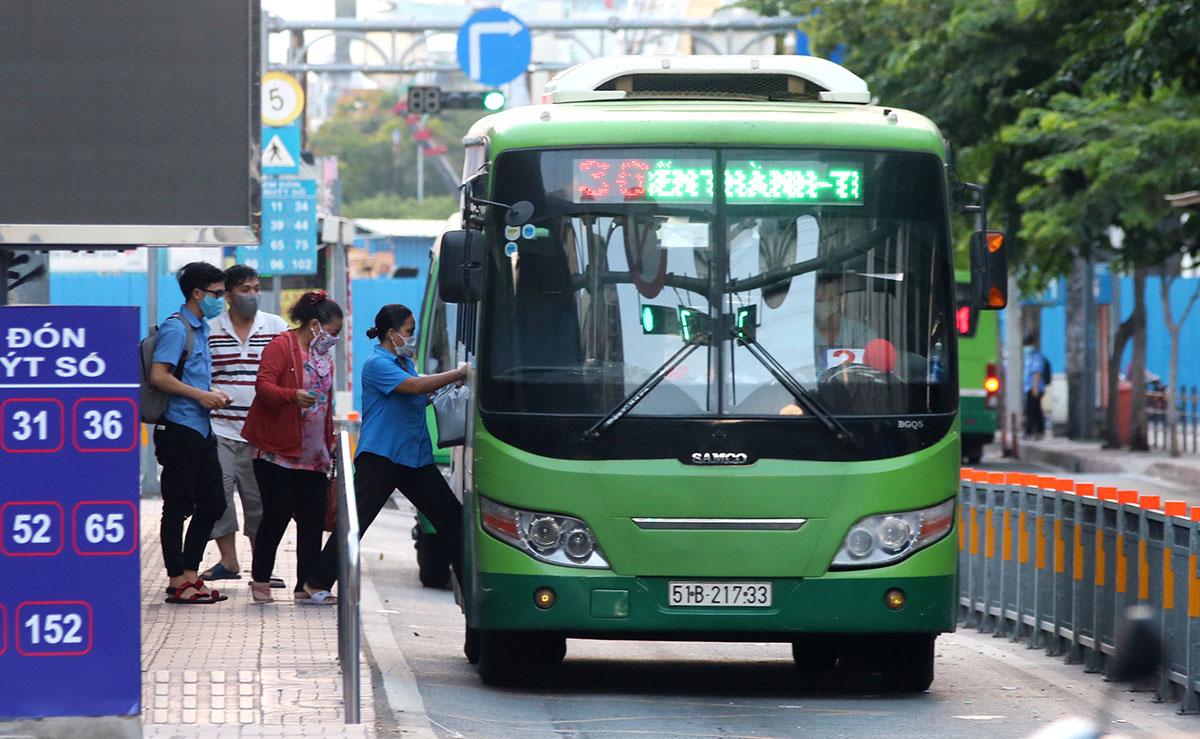 Các tuyến xe buýt trên địa bàn TPHCM được yêu cầu thực hiện nghiêm các biện pháp phòng, chống dịch COVID-19.