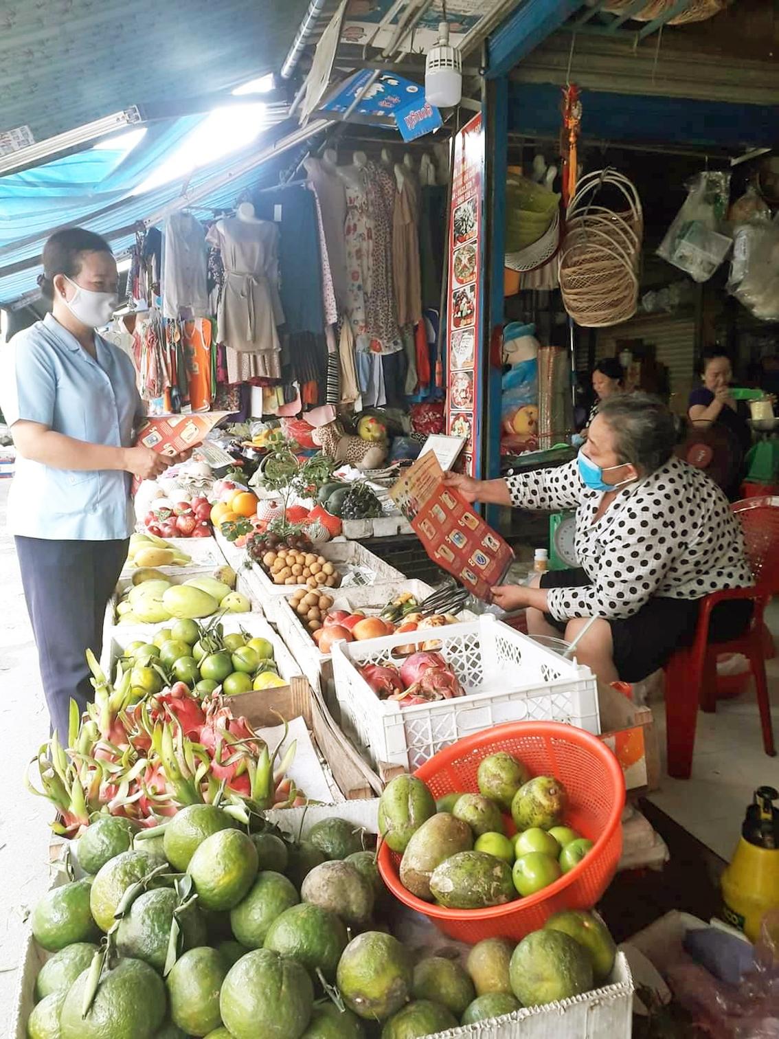 Hội Phụ nữ chợ Củ Chi đa dạng hình thức tuyên truyền tại chợ