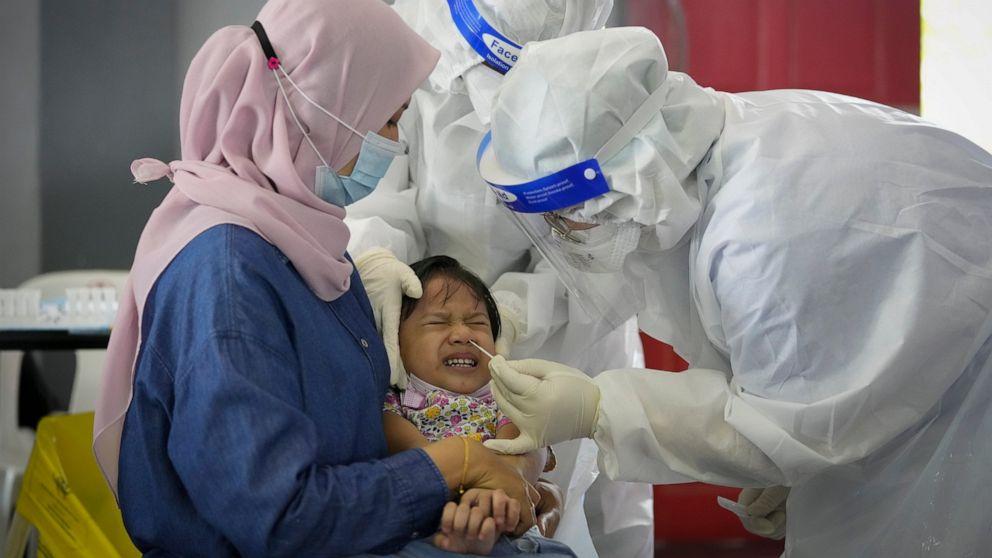 Hàng chục ngàn trẻ em Malaysia nhiễm COVID-19, nhưng may mắn không có trường hợp chuyển biến nặng