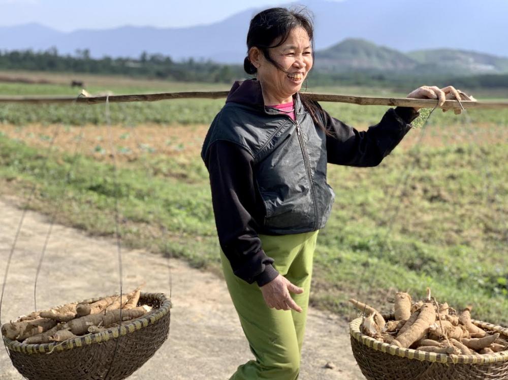 Nhờ chăm chỉ lao động,  vợ chồng anh Phong đã thoát nghèo