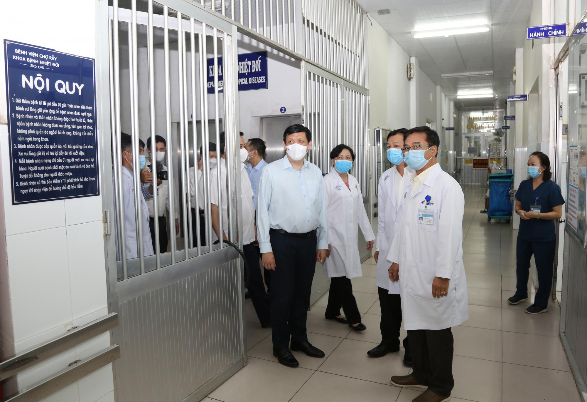 Khoa Bệnh Nhiệt đới, BV Chợ Rẫy - nơi có nhiều kinh nghiệm trong điều trị các ca COVID-19 nặng.