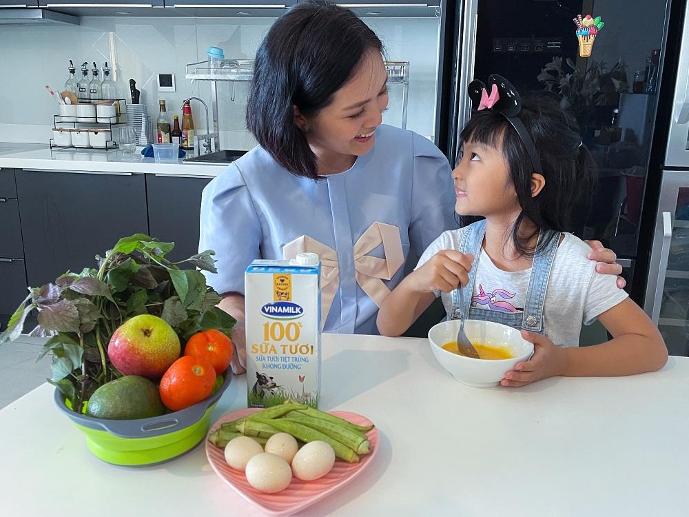 Nguồn dinh dưỡng dồi dào trong sữa tươi Vinamilk 100% hỗ trợ bé tăng cường hệ miễn dịch, nâng cao thể trạng. Ảnh: Vinamilk