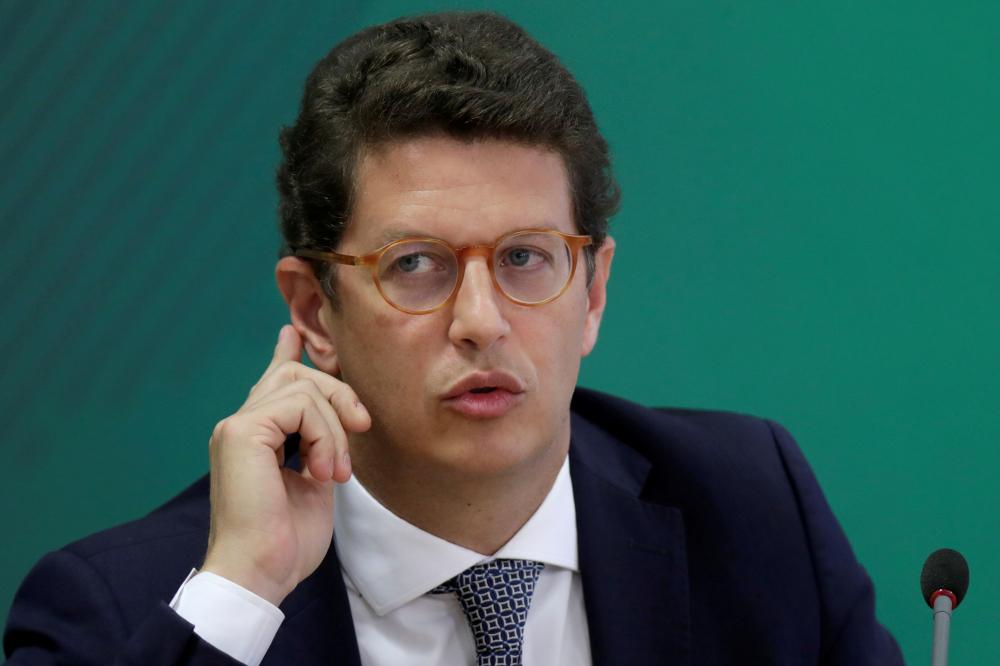Bộ trưởng Môi trường Brazil Ricardo Salles phát biểu tại cuộc họp báo sau Hội nghị thượng đỉnh về khí hậu toàn cầu trực tuyến tại Brasilia, Brazil, ngày 22/4/2021 – Ảnh: Reuters