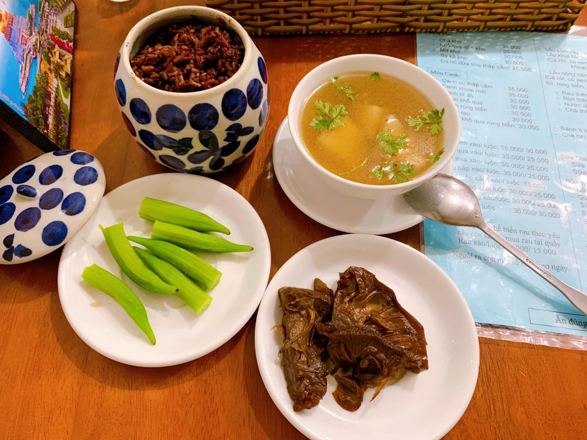 Bữa ăn theo phương pháp thực dưỡng của nữ ca sĩ.