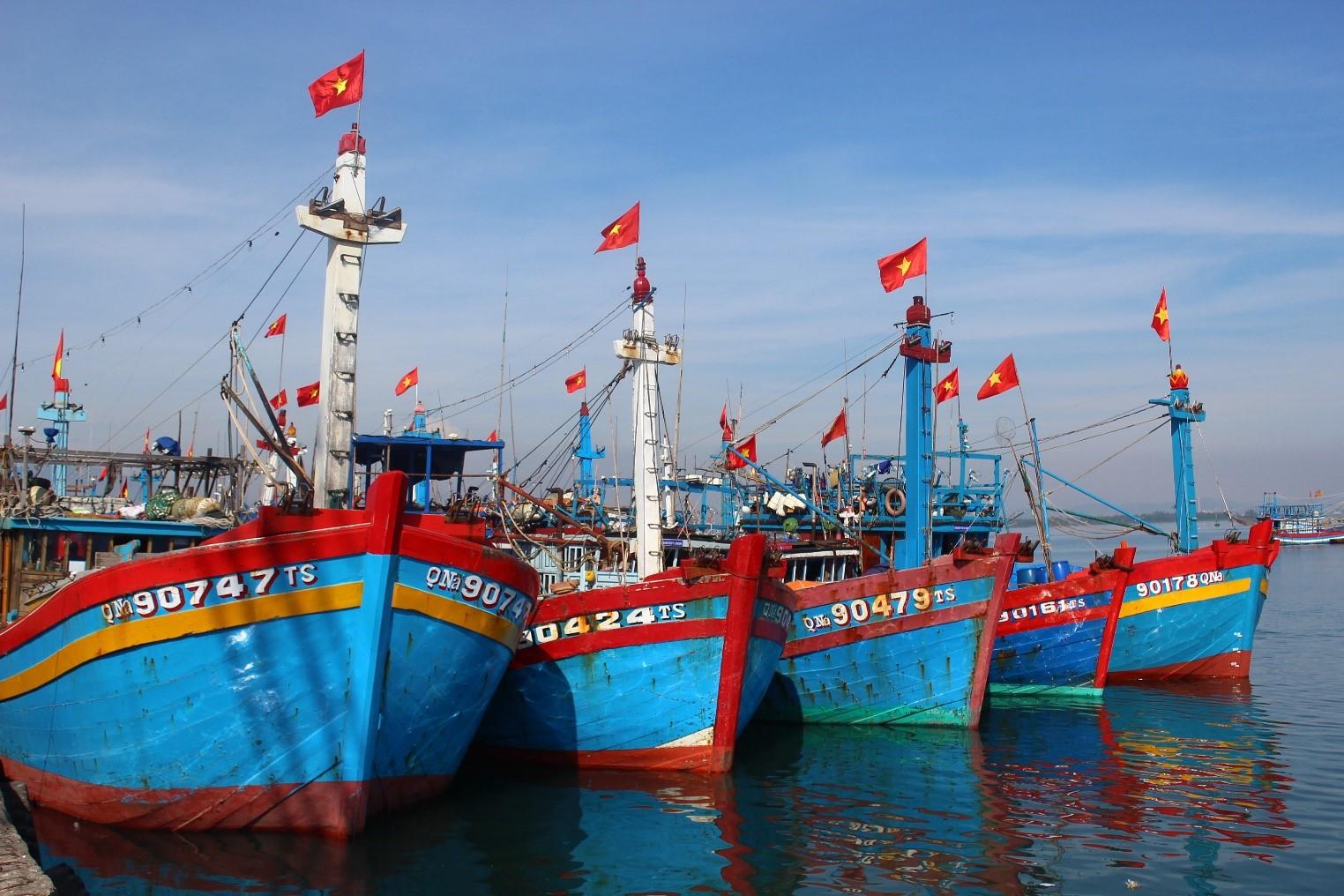 Cảng cá truyền thống Gành Hào khẳng định tiềm năng kinh tế bám biển của địa phương.