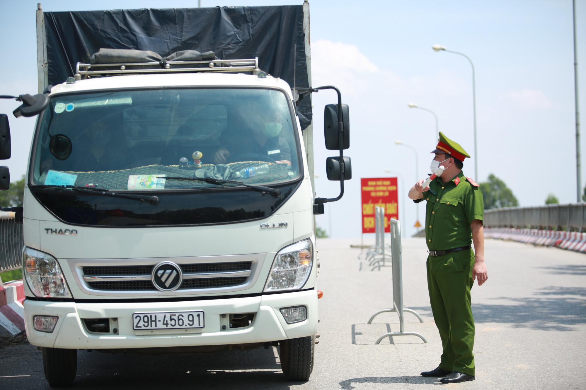 Hà Nội sẽ giám sát chặt việc di chuyển của người dân.