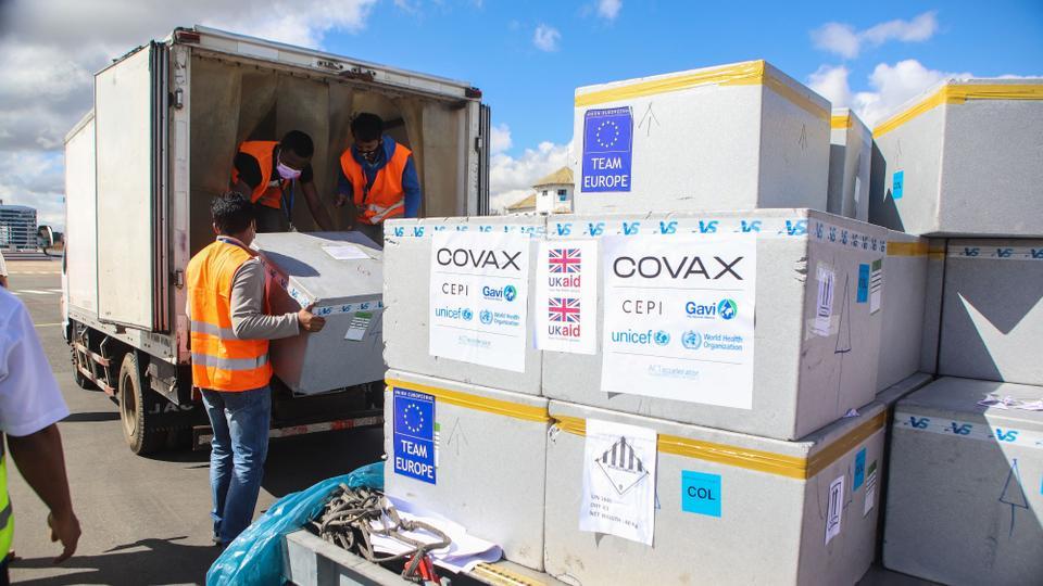 Huy động thành công hơn 2,4 tỷ USD cho chương trình phân phối vắc-xin công bằng toàn cầu COVAX.