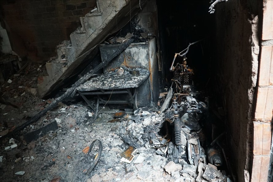 Hiện trường vụ cháy tại hẻm 47/58/2 đường Lạc Long Quân (phường 1, quận 11, TPHCM) vào chiều 7.5 khiến 8 người tử vong.