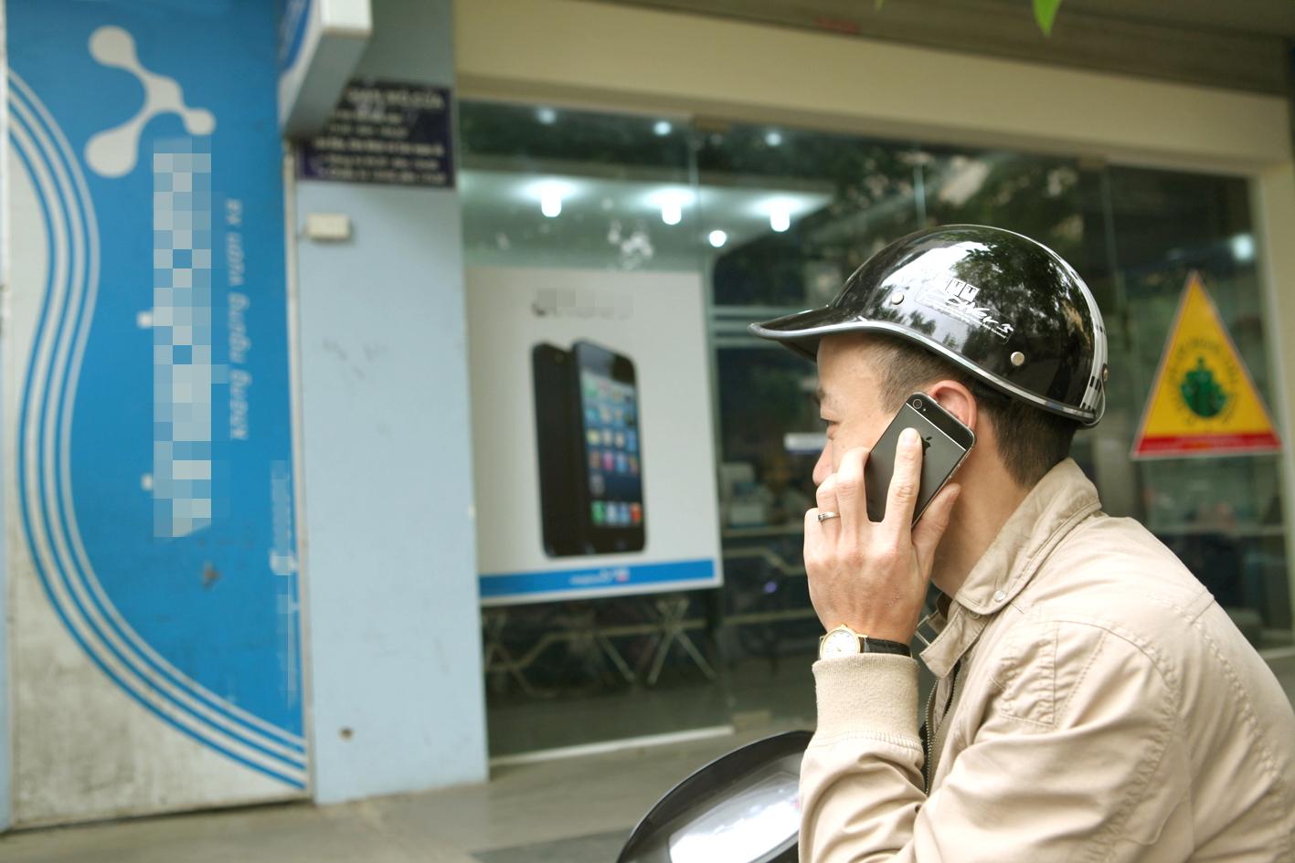 Các cuộc gọi quảng cáo bất kể giờ giấc, thời điểm đang làm phiền người dùng điện thoại  - Ảnh: Ngọc Thắng