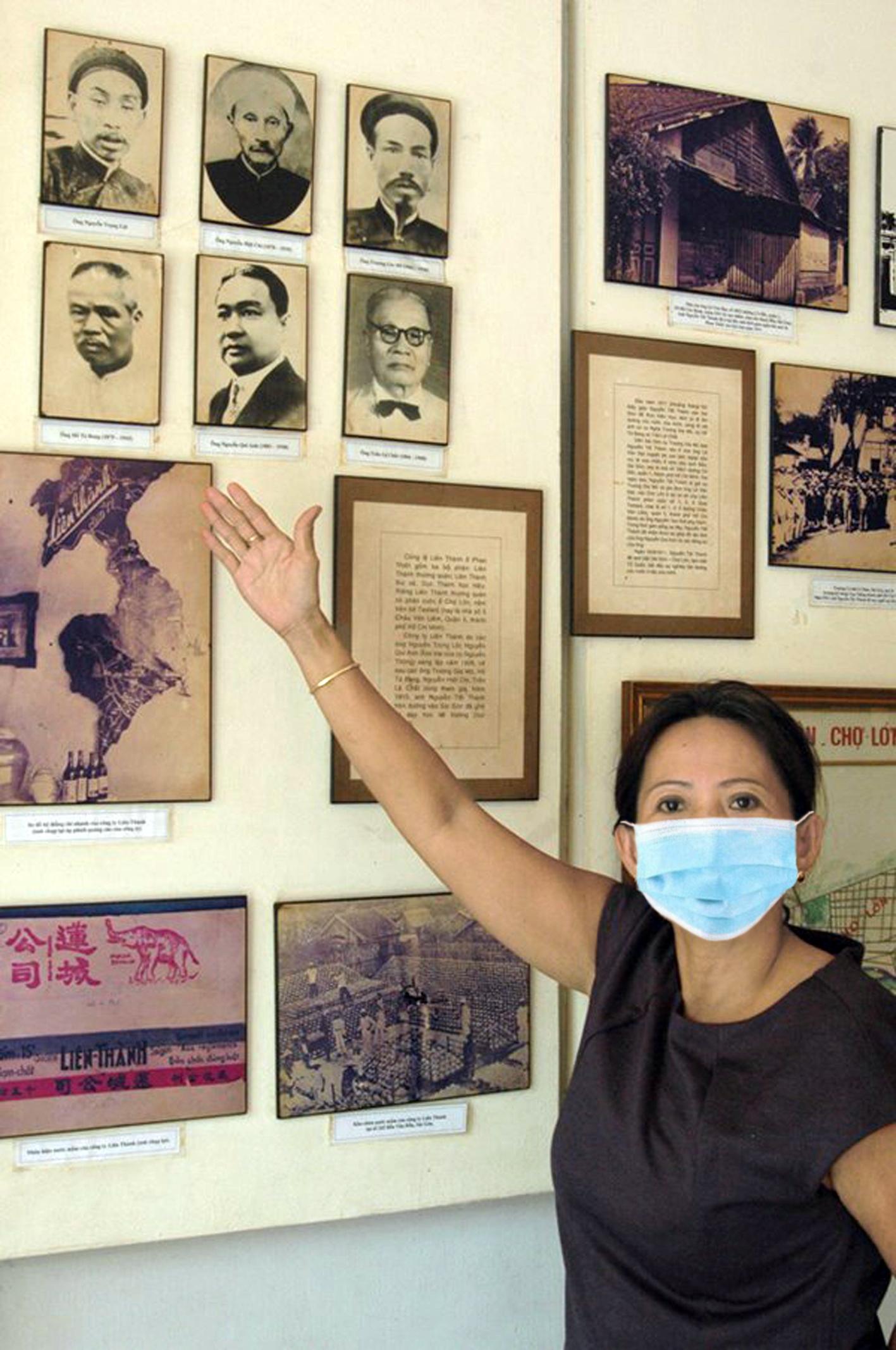 """Chị Đinh Thị Nguyệt: """"Mỗi thuyết minh viên ở Nhà Bác Hồ không chỉ là người kể chuyện,  mà còn là nhà tổ chức, lên kế hoạch cho những hoạt động làm lan tỏa, truyền trao  lòng yêu kính vị Cha già của dân tộc Việt Nam"""""""
