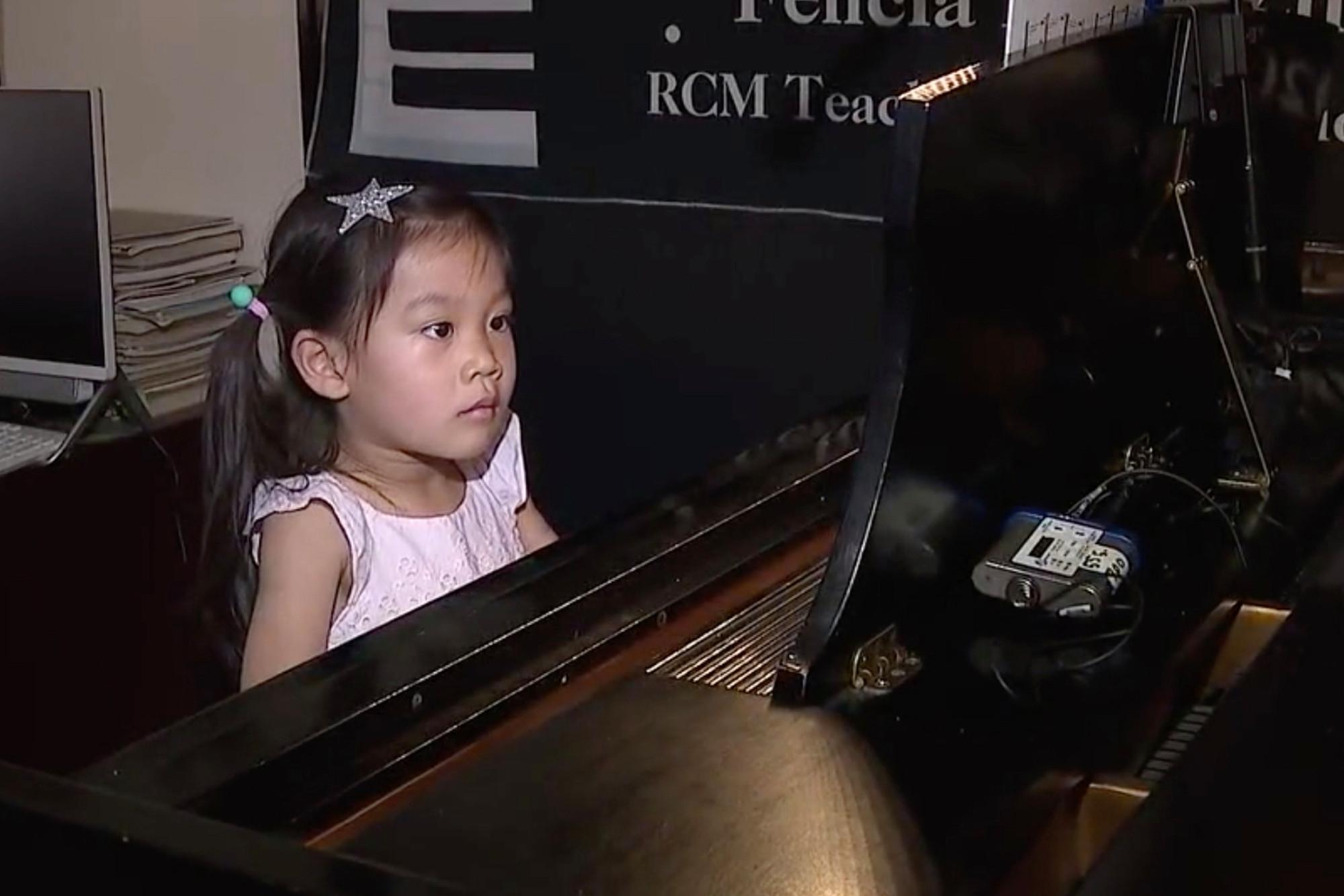 Cô bé Xie có năng khiếu âm nhạc từ khi còn nhỏ tuổi - Ảnh: Fox5
