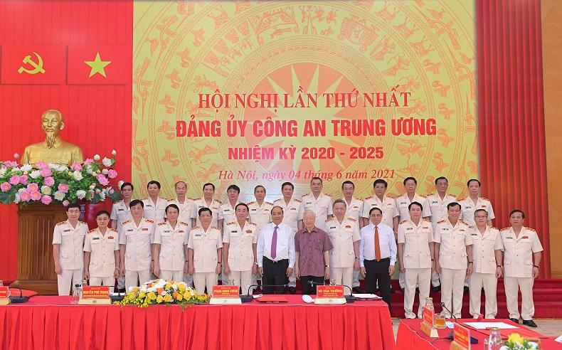 Các cán bộ trong Đảng ủy Công an Trung ương, nhiệm kỳ 2020-2025 - Ảnh: Bộ Công an