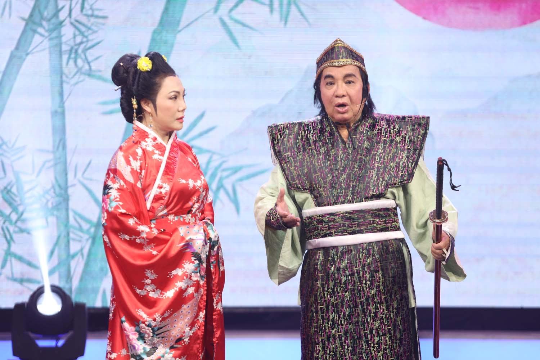 NSND Thanh Tuấn và NS Cẩm Tiên trong trích đoạn Đường gươm nguyên bá