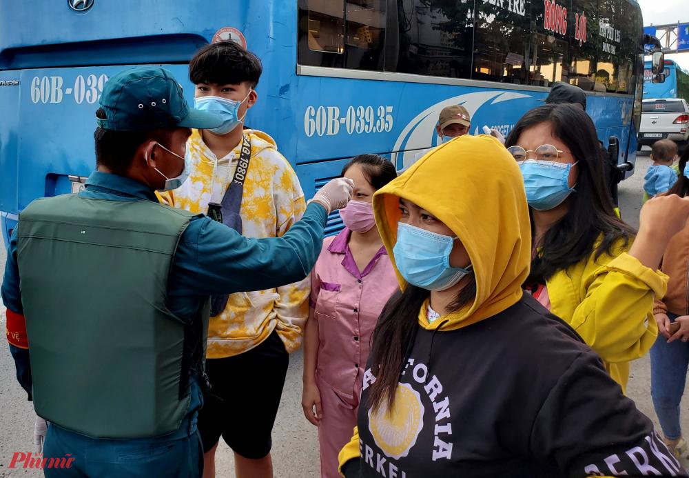 Cách tuyến xe khách đi qua địa bàn tỉnh Đồng Nai cũng sẽ được yêu cầu dừng đổ để kiểm tra việc chấp hành quy định chống dịch, số lượng khách, giãn cách số khách trên xe