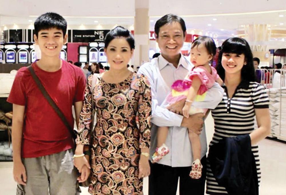 Gia đình hạnh phúc của NSƯT Phượng Loan