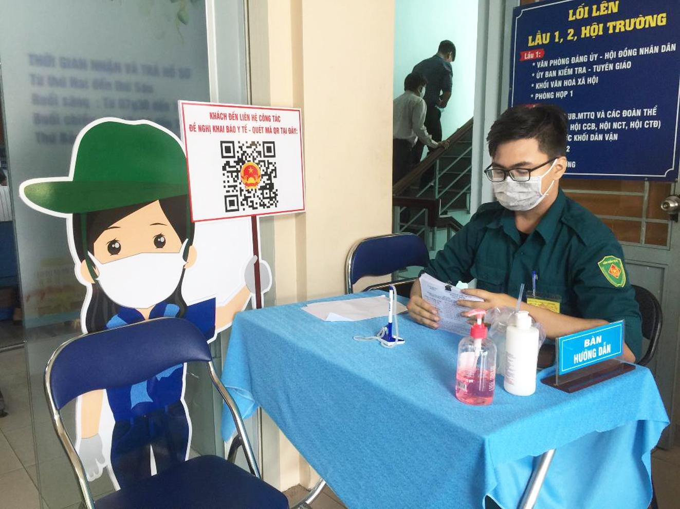 Các bạn trẻ tình nguyện tham gia hỗ trợ công tác phòng, chống dịch ở nhiều nơi tại TP.HCM