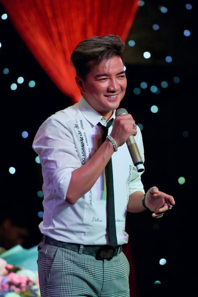 Ca sĩ Đàm Vĩnh Hưng quyết định gỡ bỏ sản phẩm vì tác giả đã bán độc quyền cho một bên trước đó