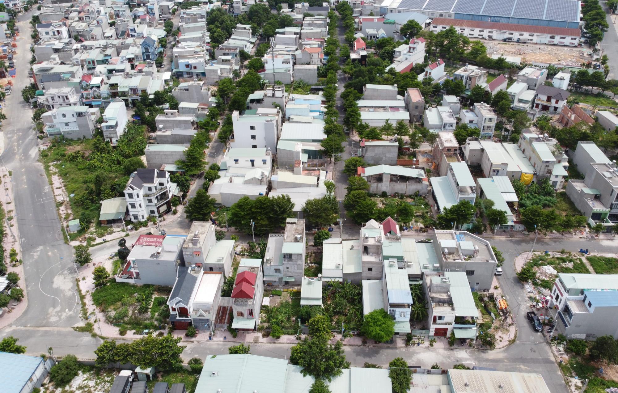Công ty Đất Mới bán đất cho người dân khu nhà ở đã 10 năm nhưng vẫn chưa bàn giao sổ đổ. Ảnh: T.N