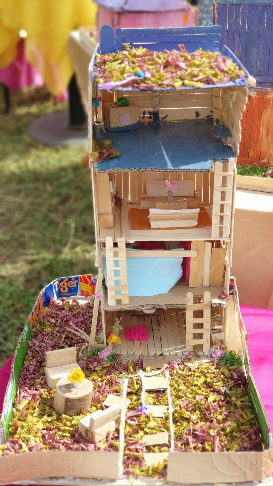 Ngôi nhà tí hon mà cô bé học sinh lớp Ba đã 'xây cho mẹ suốt một tuần ròng rã