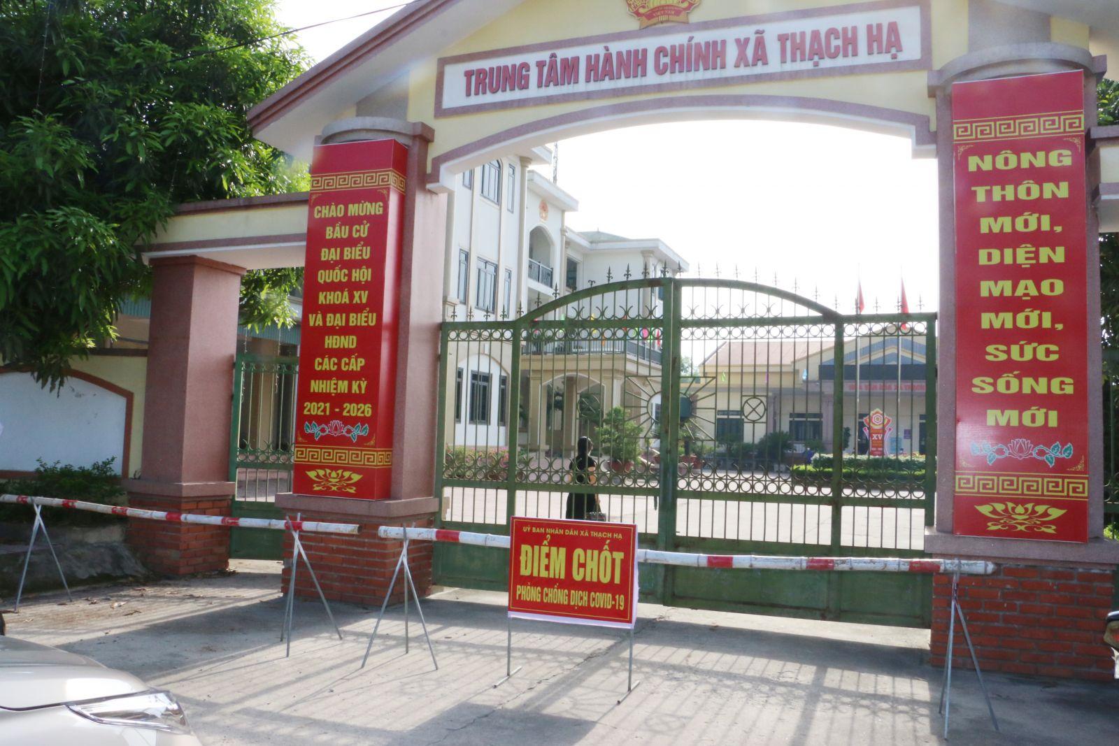 Trụ sở xã Thạch Hạ được phong tỏa sau khi phát hiện trường hợp dương tính