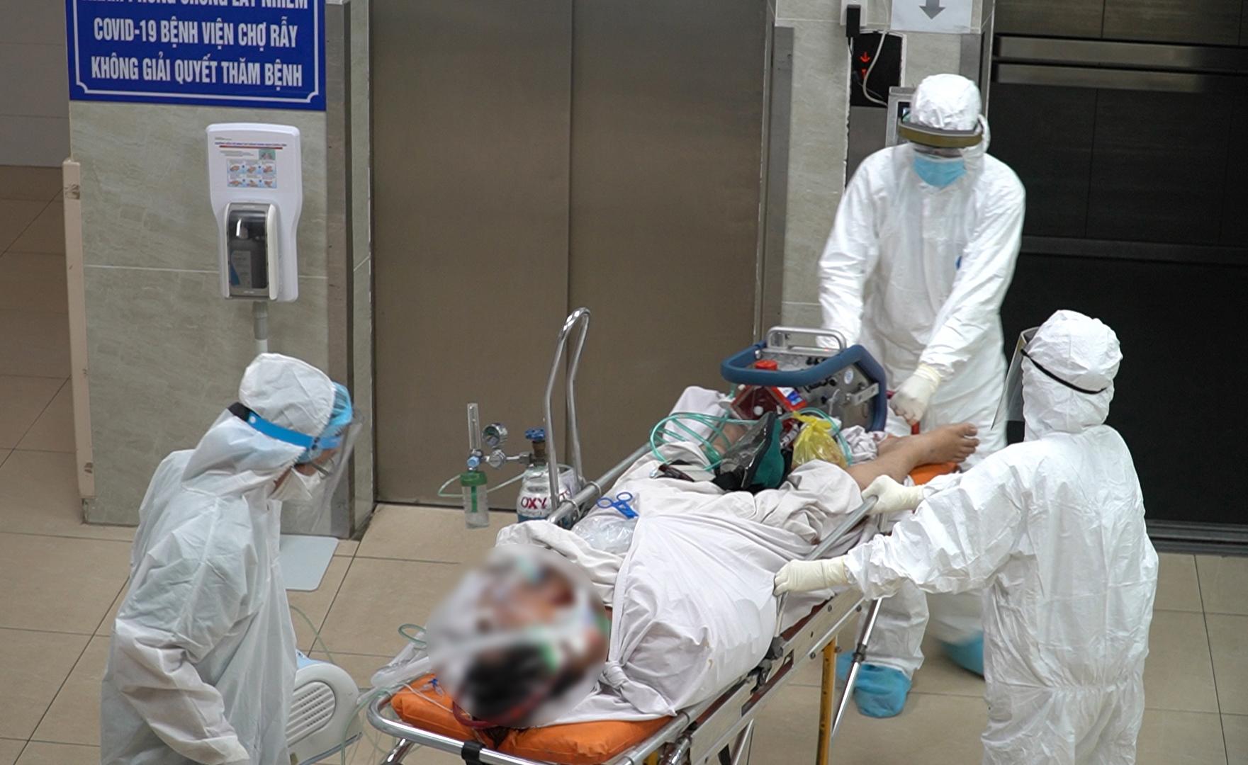 BV Chợ Rẫy sẽ tiếp tục điều trị cho chiến sĩ công an phường Phú Trung - 1 trong số những trường hợp COVID-19 rất nặng tại TPHCM. Ảnh: BV Chợ Rẫy