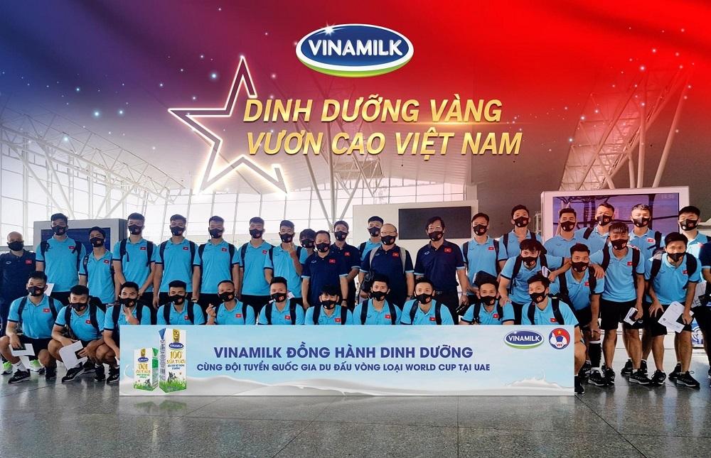 Vinamilk tự hào mang đến nguồn dinh dưỡng vàng đồng hành cùng đội tuyển quốc gia du đấu vòng loại World Cup tại UAE. Ảnh: Vinamilk