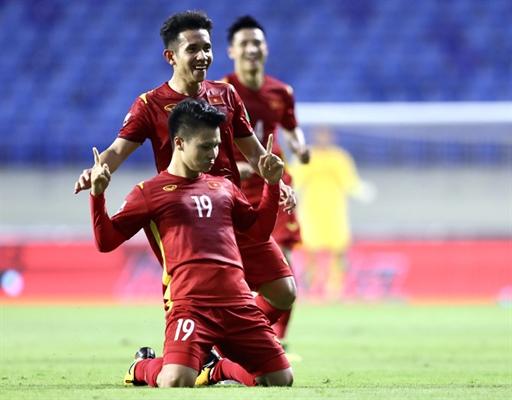 Đội tuyển Việt Nam được thưởng nóng 1 tỉ đồng từ Chủ tịch nước sau chiến thắng trước Indonesia.